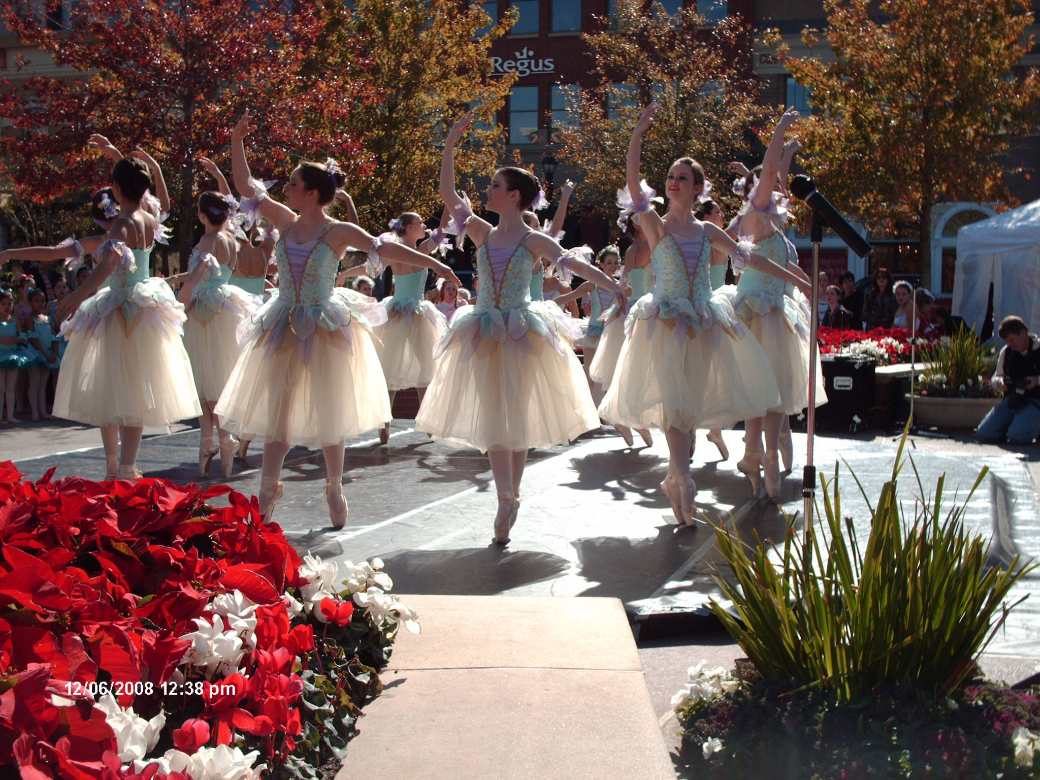 The Woodlands Civic Ballet Performs at Market Street